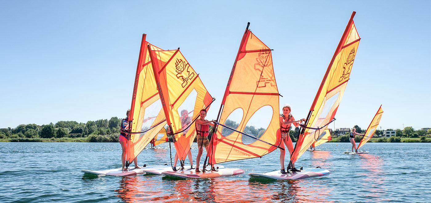 Pelican School Windsurfkampen Header