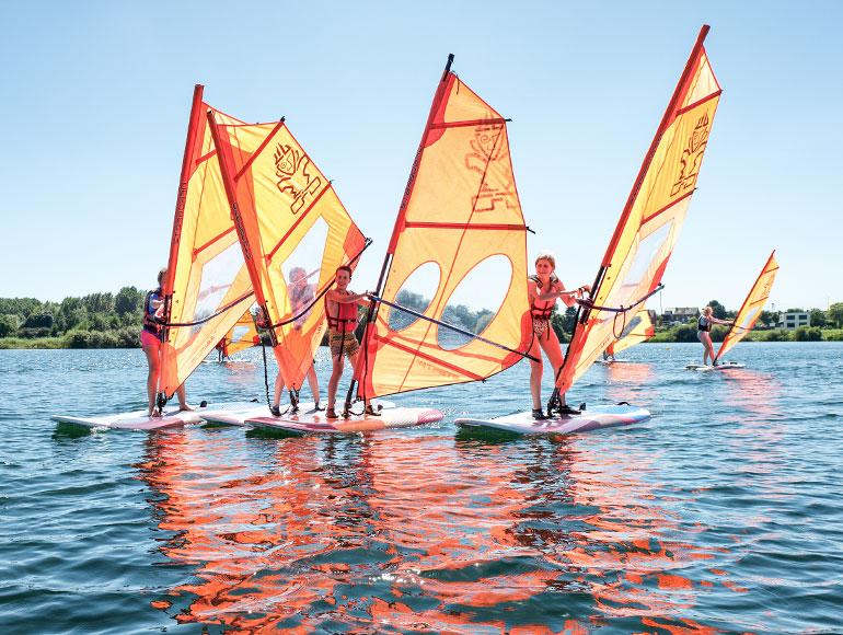 Kamp Windsurfen & Watergames - Pelican School - De Lilse Bergen
